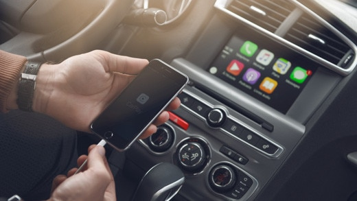 520x293_Apple_CarPlay
